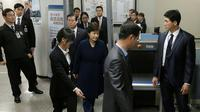 La présidente sud-coréenne Park Ceun-Hye au tribunal à Séoul, le 30 mars 2017 [Ahn Young-joon / POOL/AFP]