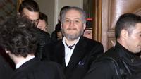 Le terroriste vénézuélien illich Ramirez Sanchez, dit Carlos, le 7 mars 2001 , à son arrivée au Palais de justice de Paris pour une comparution devant la cour d'Appel [Jack Guez / AFP/Archives]