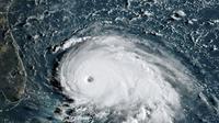 Image satellite de l'ouragan Dorian près des Bahamas, par un satellite météorologique américain, le 1er septembre 2019 [HO / NOAA/RAMMB/AFP]