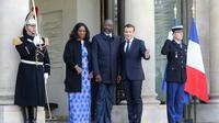 Emmanuel Macron accueille George Weah et son épouse Clar, à l'Elysee le 21 février 2018 à Paris [LUDOVIC MARIN / AFP]