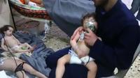 Capture d'écran d'une vidéo des secouristes syriens à Douma, le 8 avril 2018, après une attaque supposée chimique [HO / AFP/Archives]