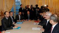 Réunion à Matignon sur les réformes de la SNCF préconisées par le rapport Spinetta avec notamment le Premier ministre Edouard Philippe (2e g) et le président de la SNCF Guillaume Pepy (2e d), le 19 février 2018 à Paris [FRANCOIS GUILLOT / AFP]