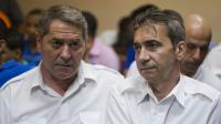 les deux pilotes français Jean-Pascal Furet et Victor Bruno Odos, lors d'une audience le 4 février 2014 à Higuey en République Dominicaine [Erika Santelices / AFP/Archives]