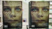 """Des exemplaires du quatrième tome de la série de polars """"Millénium"""", écrit par David Lagercrantz, exposés le 26 août 2015 dans une librairie de Stockholm [JONATHAN NACKSTRAND / AFP]"""