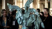 Le coq de la flèche de Notre-Dame exposé au ministère de la Culture à Paris le 20 septembre 2019 [Philippe LOPEZ / AFP]