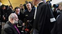 L'ex-père Bernard Preynat avant l'ouverture de son procès le 13 janvier 2020 à Lyon [PHILIPPE DESMAZES / AFP]