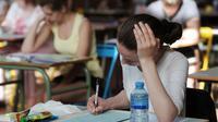 Des lycéens planchent sur l'épreuve de philosophie du baccalauréat, le 17 juin 2013, au lycée Pasteur de Strasbourg [Frederick Florin / AFP/Archives]