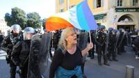 Geneviève Legay pendant la manifestation des gilets jaunes à Nice le 23 mars 2019 [Valery HACHE / AFP]