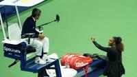 L'Américaine Serena Williams s'en prend à l'arbitre Carlos Ramos lors de la finale de l'US Open, le 8 septembre 2018 à New York [kena betancur / AFP]
