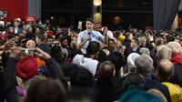 Le Premier ministre canadien Justin Trudeau s'adresse à ses partisans à Vancouver à la veille des élections, le 20 octobre 2019 [Don MacKinnon / AFP]