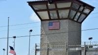"Vue du ""Camp 6"" de Guantanamo Bay, à Cuba [MLADEN ANTONOV / AFP/Archives]"