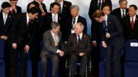 Photo de famille des participants au G20 le 27 février 2016 à Shangaï [ROLEX DELA PENA / POOL/AFP]