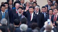 Le président chinois Xi Jinping (C), à Pékin le 1er décembre 2017 [FRED DUFOUR / POOL/AFP/Archives]