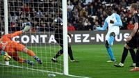 L'attaquant de Marseille Mario Balotelli (2d) buteur lors de la victoire 2-0 à domicile face à Amiens le 16 février 2019 [CHRISTOPHE SIMON / AFP]