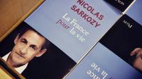 """Photo du livre """"La France pour la vie"""" de Nicolas Sarkozy postée le 21 janvier 2016 sur son compte twitter [HO / TWITTER/AFP]"""