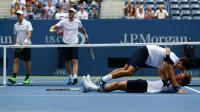 La joie des Français Nicolas Mahut et Pierre-Hugues Herbert, vainqueurs de la finale du double de l'US Open, le 12 septembre 2015 [CLIVE BRUNSKILL / GETTY/AFP]
