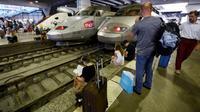 """La SNCF a annoncé lundi 30 juillet """"qu'un train sur deux circulera entre Paris et le grand ouest"""" [GERARD JULIEN / AFP/Archives]"""