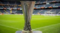 Trophée de l'Europa League exposé au stade de Solna en Suède lors de la finale de la compétition entre l'Ajax et Manchester United, le 23 mai 2017 [Odd ANDERSEN / AFP/Archives]