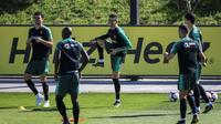 Cristiano Ronaldo s'entraîne avec ses coéquipiers au centre d'entraînement de la sélection portugaise d'Oeiras, près de Lisbonne, le 19 mars 2019 pour les qualifs de l'Euro [PATRICIA DE MELO MOREIRA / AFP/Archives]