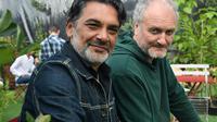Stéfane Mellino et Michel Ochowiak, des Négresses vertes, posent le 21 juillet 2018 à Carhaix-Plouguer [Fred TANNEAU / AFP]