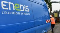 Deux syndicalistes agents d'Enedis ont été placés en garde à vue mercredi dans le cadre d'une enquête sur une coupure sauvage d'électricité, le 10 janvier en Dordogne [JEAN-PIERRE CLATOT / AFP/Archives]