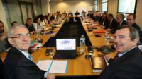 Alexandre Saubot (UIMM) et Michel Guilbaud (MEDEF) aux négociations sur l'assurance chômage le 28 mars 2017 à Paris [Jacques DEMARTHON / AFP]