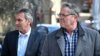 Le co-pilote Bruno Odos (g) et le pilote Jean Fauret arrivent à la Cour d'assises d'Aix-en-Provence, le 19 amrs 2019 [GERARD JULIEN / AFP/Archives]