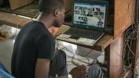 Dans un cybercafé à Kinshasa, le 25 février 2015 [FEDERICO SCOPPA / AFP/Archives]