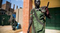 Un membre de la SPLA-IO (Armée d'opposition de libération du peuple soudanais) le 25 avril 2016 à Juba [Albert Gonzalez Farran / AFP]