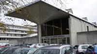 Trois jeunes de 21 et 22 ans sont jugés par le tribunal correctionnel d'Evry (Essonne) pour 61 cambriolages ciblés selon les origines des victimes.