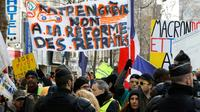 Des manifestants contre la réforme des retraites, le 4 janvier 2020 à Paris [FRANCOIS GUILLOT / AFP]