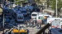 Site d'une attaque au véhicule piégé à Diyarbakir, dans le sud-est de la Turquie, le 4 novembre 2016 [ILYAS AKENGIN / AFP]