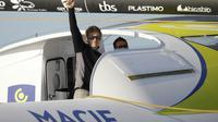 """Le skipper français François Gabard à bord de son maxi trimaran """"Macif"""" au port du Havre, le 25 octobre 2015  [CHARLY TRIBALLEAU / AFP/Archives]"""