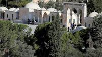 Des policiers sur les lieux d'une attaque dans la Vieille ville de Jérusalem, le 14 juillet 2017 [THOMAS COEX / AFP]