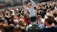 Rassemblement à la mémoire du DJ Avicii, le 21 avril 2018 à Stockholm [Fredrik PERSSON / TT News Agency/AFP]