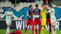 Le milieu de terrain de l'OM Abdelaziz Barrada reçoit un carton rouge lors du match contre le Gazélec Ajaccio, le 13 décembre 2015 au Vélodrome [BERTRAND LANGLOIS / AFP]