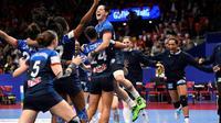 Les Françaises en liesse après leur victoire sur le Danemark à l'Euro, le 18 décembre 2016 à Göteborg [Jonathan NACKSTRAND / AFP/Archives]