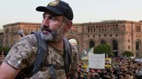 Le chef de l'opposition armnienne Nikol Pachinian lors d'une manifestation à Erevan, le 26 avril 2018 [KAREN MINASYAN / AFP]