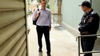 L'opposant russe Alexeï Navalny arrive au tribunal à Moscou, le 15 mai 2018 [Kirill KUDRYAVTSEV / AFP/Archives]
