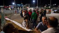 Blocage par les agriculteurs de la bioraffinerie Total de La Mède à  Chateauneuf-les-Martigues(Bouches-du-Rhône), le 10 juin 2018 [BERTRAND LANGLOIS / AFP]
