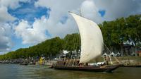 Des bateaux participent à Orléans au plus grand rassemblement de marine fluviale de France, le 23 septembre 2015 [Guillaume SOUVANT / AFP]