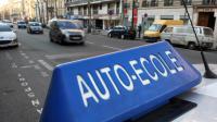 Un véhicule d'auto-école stationné à Paris, le 9 mars 2010 [Loic Venance / AFP/Archives]