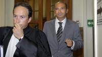 Laurent Fabius et son avocat Cyril Bonan, à leur arrivée arrive le 1er juin 2011 au Tribunal de Grande Instance de Paris [Bertrand Guay / AFP/Archives]