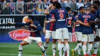 L'attaquant du PSG Neymar (g) buteur lors de la victoire 2-1 à Angers en 36e journée de L1 le 11 mai 2019 [Jean-François MONIER / AFP]