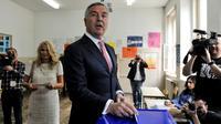 Milo Djukanovic, candidat à l'élection présidentielle du Parti des démocrates socialistes au pouvoir au Monténégro, vote à Podgorica le 15 avril 2018 [SAVO PRELEVIC                        / AFP]
