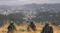 Des soldats brésiliens prennent position à Niteroi, une banlieue de Rio de Janeiro, le 16 août 2017 [Apu Gomes / AFP/Archives]