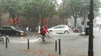 Paris sous de fortes pluies le 10 août 2019 [Emmanuel PIONNIER / AFP]