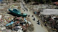 Vue aérienne de Palu, sur l'île des Célèbes en Indonésie, le 1er octobre 2018 après un séisme et le passage d'un tsunami [JEWEL SAMAD / AFP]