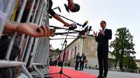 Le chancelier autrichien Sebastian Kurz, hôte du sommet européen informel de Salzbourg, s'adresse aux journalistes au début de la réunion, le 19 septembre 2018. [JOE KLAMAR / AFP]