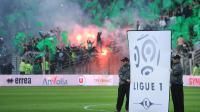 Protocole d'avant-match en Ligue 1, à l'occasion de Nantes-Saint-Etienne, le 10 mai 2014 à La Beaujoire [Jean-Sebastien Evrard / AFP]
